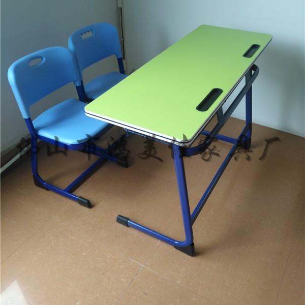 厂家定制塑料靠背培训班辅导补习班学校两人位儿童学生课桌椅