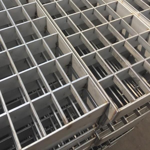 重庆承接各类不锈钢铁铝板管等材质的异性氩弧焊激光焊接