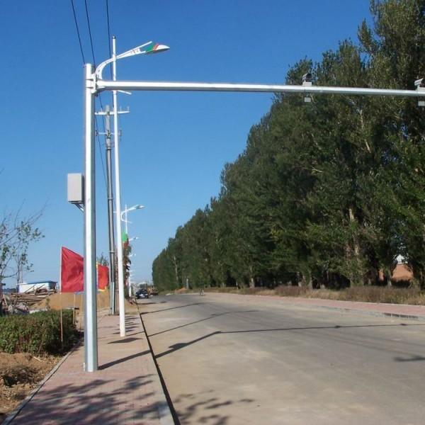 东北监控杆,路灯杆,八棱杆,东北信号灯杆生产厂家