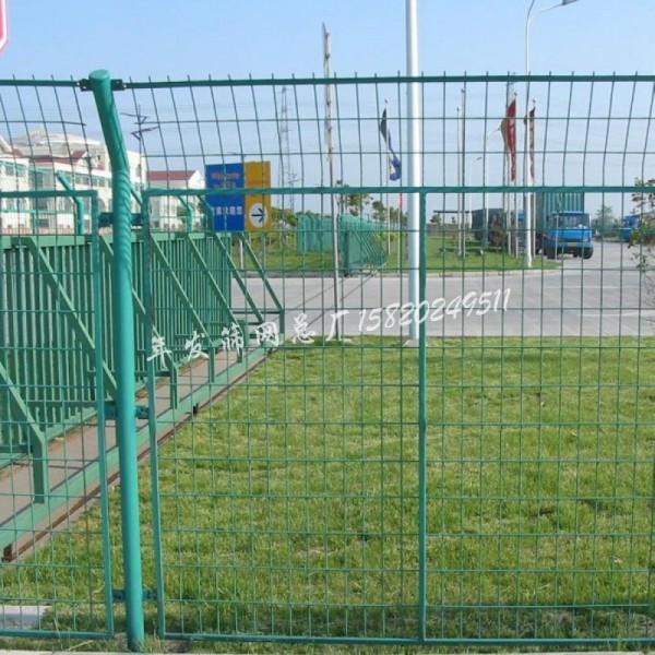 框架防护栏现货 方管高速公路防抛隔离安全栅栏