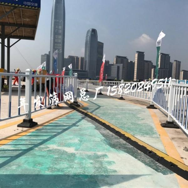 广州市政护栏现货 交通道路安全隔离防护栏