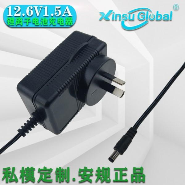 IEC60601-1标准12.6V1.5A自动除颤器充电器