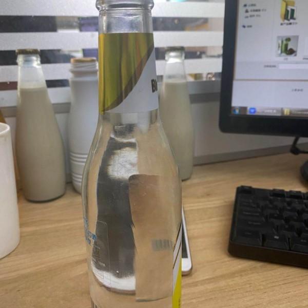 苏打水气泡水饮料OEM贴牌代加工广东厂家生产350ML24瓶