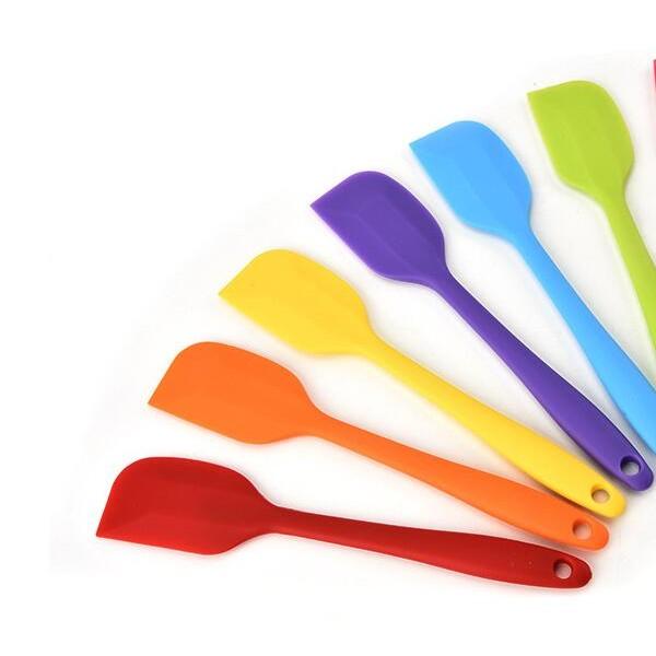 硅胶刷、硅胶刀、硅胶垫、硅胶厨具、硅胶制品厂定制各类硅胶制品