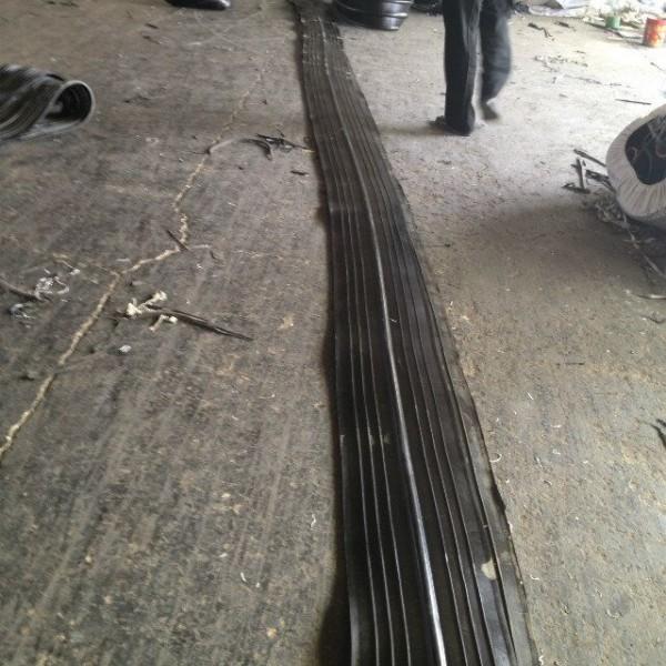 背贴式遇水膨胀止水带 中埋式橡胶止水带