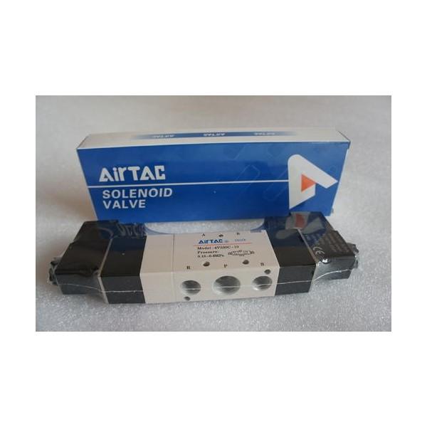 AirTAC亚德客4V330C 五口三位电磁阀