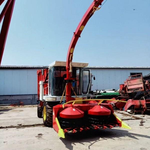 玉米青储收割机视频 牧草收割打捆一体机 地滚刀履带式青储机