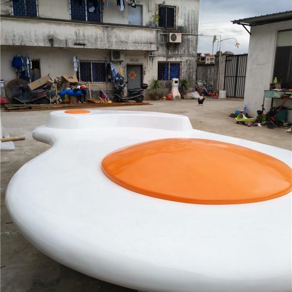 深圳广场大型美陈休闲座椅雕塑生产玻璃钢厂家