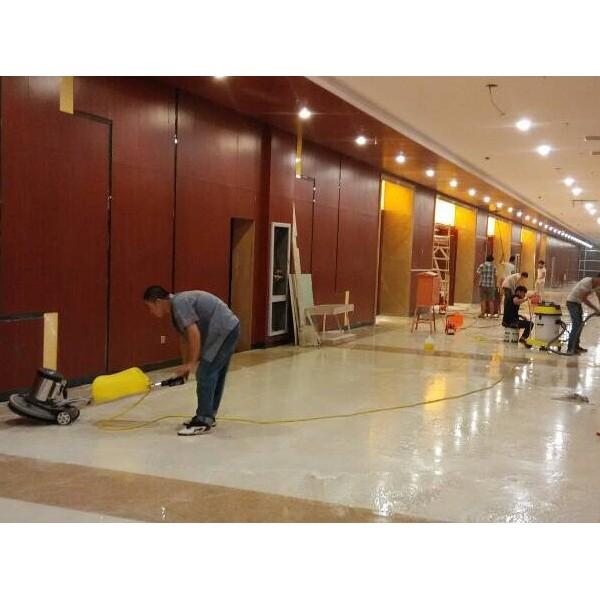 南京江宁区专业家庭保洁、擦洗玻璃、工程装修保洁、地毯清洗