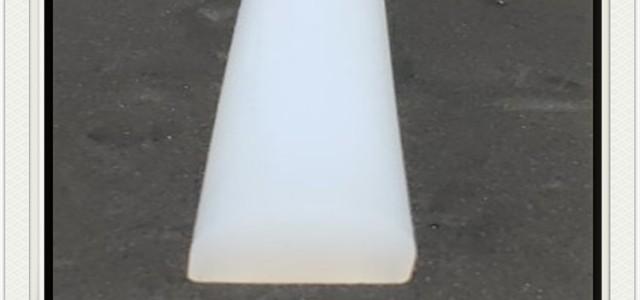 白色硅胶D型实心耐磨损密封条