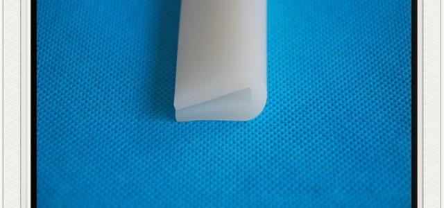 白色硅胶U型密实防尘密封条