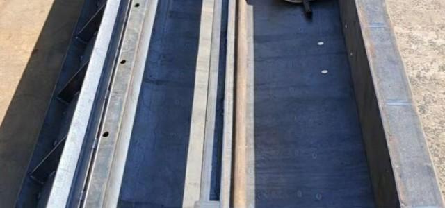 二道河城际铁路桥梁栏杆遮板钢模具生产商保定京伟模具