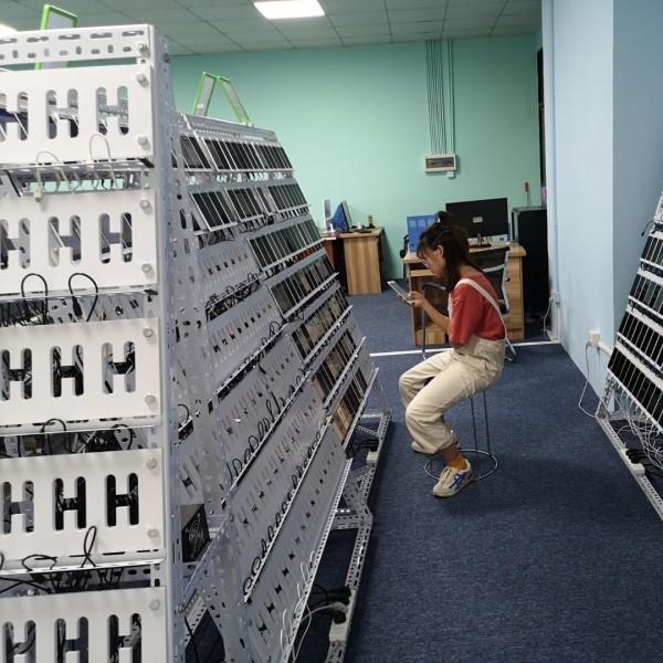 打造网红直播间有人气有互动云控系统机房搭建