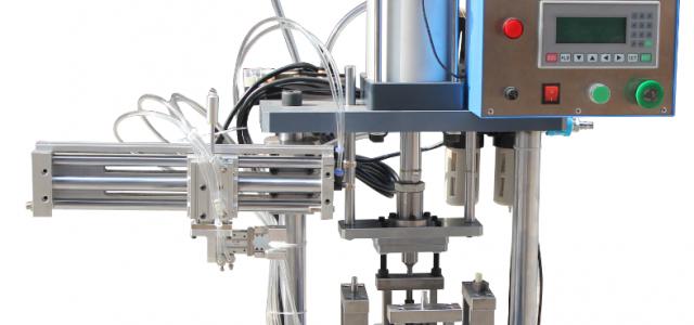 厂家直销自动转盘铆压机组装机分割机械手装配机