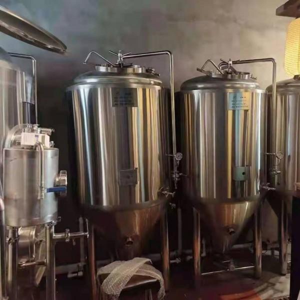 自酿啤酒设备  啤酒酿造设备生产厂家  小型啤酒设备